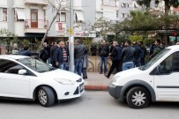 Antalya'da Polis Evinde İntihar Etti