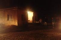 MİMAR SİNAN - Ateş Yakma Tartışması Kanlı Bitti Açıklaması 2 Yaralı