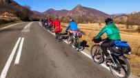 ARNAVUTLUK - Bisiklet Topluluğunun Balkan Turu Devam Ediyor