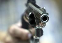 GAZİ YAŞARGİL - Hastane Önünde Silahlı Çatışma Açıklaması 2 Ölü, 1 Yaralı