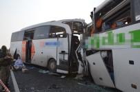 TURGAY ALPMAN - İki Otobüs Kafa Kafaya Çarpıştı Açıklaması 7 Ölü, 16 Yaralı
