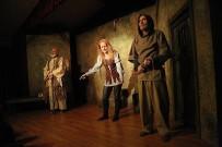 DEVLET OPERA VE BALESI - Mezitli Belediyesi Oda Tiyatrosu, 'Jeanne D'arc'ın Öteki Ölümü' İle Perdelerini Açtı