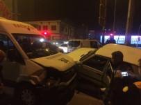 MUSTAFA YıLDıZ - Minibüs İle Otomobil Çarpıştı Açıklaması 2 Yaralı