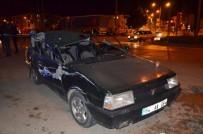 Otomobil Kırmızı Işıkta Duran Kamyona Çarptı Açıklaması 1 Yaralı