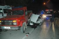 Otomobil Park Halindeki Kamyonete Çarptı Açıklaması 3 Yaralı