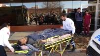 ÇATIŞMA - Suriye'de Çatışmalarda Yaralanan 8 ÖSO Askeri Kilis'e Getirildi