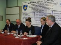 PLASTİK CERRAHİ - Türk Doktorlar, Kosova'da Şifa Dağıtıyor