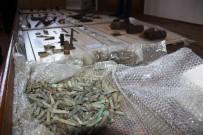 EL BOMBASI - Yalova'da Ele Geçirilen Tarihi Eserler Çanakkale'ye Getirildi