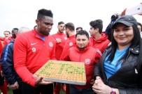 RıZA ÇALıMBAY - Antalyaspor'da Akhisar Hazırlıkları Sürüyor