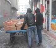 SIBIRYA - Dondurucu Soğukta Ekmek Kavgası