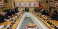 YAYA TRAFİĞİ - Elazığ Belediyesi Projelerle Kenti Güçlendiriyor