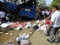 EĞİTİM KOMİSYONU - Filipinler'de Korkunç Kaza Açıklaması 15 Ölü