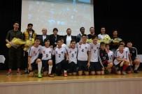 FUTBOL TAKIMI - Göztepeli Futbolcular Öğrencilerle Buluştu