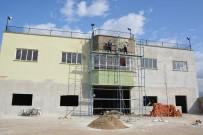 KAPALI ALAN - Hamzabeyli'nin Eski Garajı Çok Amaçlı Salon Oluyor