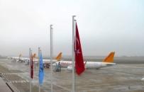 PEGASUS - İstanbul uçakları sis nedeniyle Bursa'ya indi