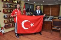MİLLİ SPORCULAR - Mersinli Escrima Sporcusu Serkan Gök, İtalya'da Türkiye'yi Temsil Edecek