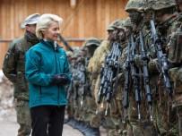 SAVUNMA BAKANI - Almanlar asker sayısını arttırıyor