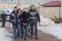 MİMAR SİNAN - Büfeden Sigara Ve Bozuk Para Çalan Hırsızlar Tutuklandı