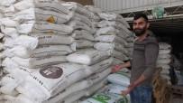 Burhaniyeli Çiftçiler Gübreyi Ziraatçı Gözetiminde Atıyor