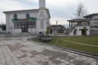 ESTETIK - Düzce Belediyesi Camilerin Çevresine Düzenleme Yapıyor