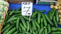 PAZARCI ESNAFI - Fiyatı 7 Liraya Kadar Yükselen Salatalık El Yakıyor