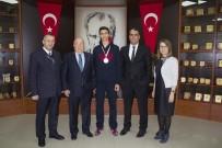 HÜSEYIN EREN - GKV'li Hüseyin Eren Şahin'in  Kick Boks Başarısı