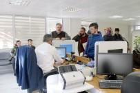 PARMAK İZİ - Gümüşhane'de Yeni Kimlik Kartları İçin Mesai Saatleri Değiştirildi