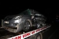 İŞÇİ SERVİSİ - İşçi Servisi İle Otomobil Çarpıştı Açıklaması 2 Ölü, 5 Yaralı