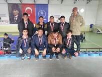 GÜREŞ - Meslek Lisesi Güreş Müsabakalarında 3 Altın, 3 Gümüş, 6 Bronz Madalya Kazandı