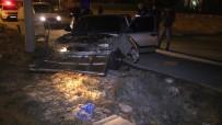 ARAÇ KULLANMAK - Polisten Kaçan Ehliyetsiz Sürücü Kaza Yapınca Yakalandı