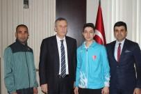 NAZMI GÜNLÜ - Avrupa Şampiyonundan Kaymakam Günlü'ye Ziyaret