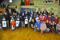 SPOR BAKANLIĞI - Büyükşehir Belediyesi Okullara 15 Bin Top Dağıttı
