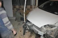 MOTOSİKLET SÜRÜCÜSÜ - İnegöl'de Zincirleme Kaza Açıklaması 2 Yaralı