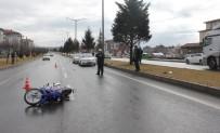 MOTOSİKLET SÜRÜCÜSÜ - Tavşanlı'da Trafik Kazası Açıklaması 2 Yaralı