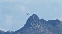HELIKOPTER - Türk Askeri Kardak Kayalıklarında Alçak Uçuş Yaptı