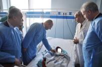 PLASTİK CERRAHİ - Türk Doktorlar Kosova'da Bir İlke İmza Attı