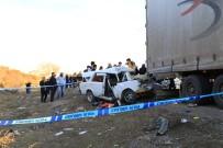 BAĞLUM - Ankara'da Otomobil, Tıra Arkadan Çarptı Açıklaması 1 Ölü, 2 Ağır Yaralı