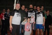 NAMIK KEMAL NAZLI - Ayvalık'ta Muhtarlar Derneği'nin Voleybol Turnuvasında Şampiyon Kayaspor Oldu