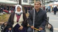 KÖMÜR YARDIMI - Bir Kavala Sımsıkı Sarılmış İki Engelli Hayat