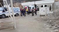 YÜKSEK GERİLİM - Damper Yüksek Gerilim Hattına Temas Etti, Şoför Hayatını Kaybetti