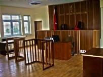 DURUŞMA SALONU - Darbecilerin yargılandığı binanın lağımı taştı