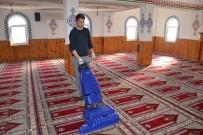 KUMKUYU - Erdemli Belediyesi Camileri Temizlemeye Devam Ediyor