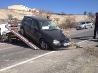 TİCARİ ARAÇ - Hafif Ticari Araç Şarampole Yuvarlandı Açıklaması 1 Yaralı