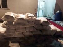 TAHKİKAT - Hakkari'de Çok Sayıda Kaçak Malzeme Ele Geçirildi