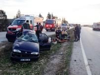 112 ACİL SERVİS - İzmir'de Otomobil Takla Attı  Açıklaması6 Yaralı