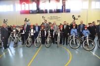 İLÇE MİLLİ EĞİTİM MÜDÜRÜ - İzmit'te Öğrencilere Bisikletleri Teslim Edildi