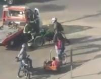 TRAFİK POLİSİ - Kafasına Kask Fırlattığı Polisi Bayılttı