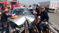 TRAFIK KAZASı - Korkuluklar sürücüye saplandı
