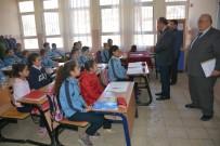 İL MİLLİ EĞİTİM MÜDÜRÜ - Süleyman Demirel Ortaokulu Öğrencilerinden Örnek Davranış