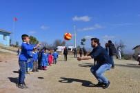 TURGAY HAKAN BİLGİN - Üniversiteli Öğrencilerden Köy Okullarına Destek